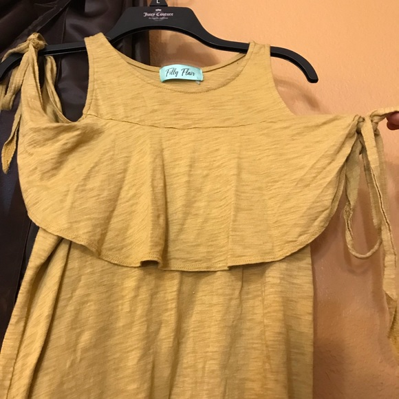 362fc23ae9aca Filly Flair Tops - Filly Flair super cute mustard cold shoulder top